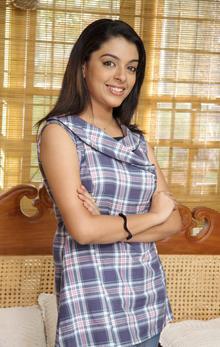 About Radhika (Malayalam actress) Actress Biography Detail Info